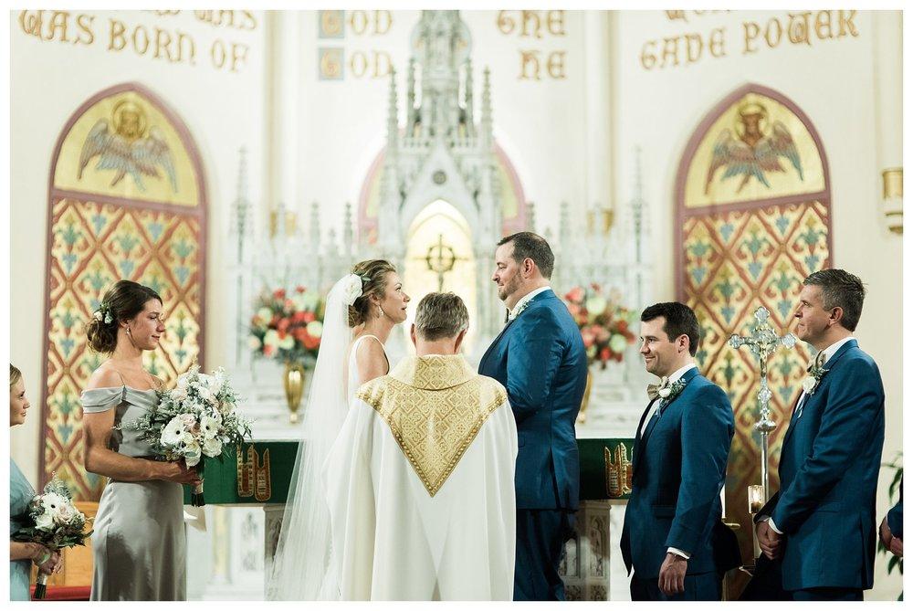 everleigh-photography-cincinnati-wedding-photographer-monastery-event-center-kentucky-wedding-photographer-40