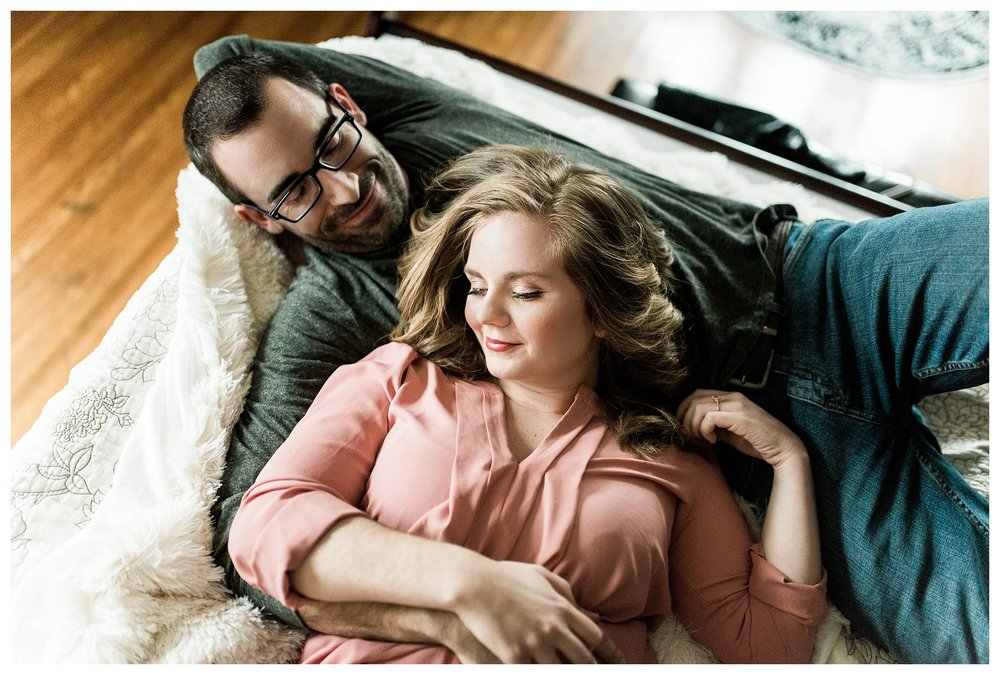 everleigh-photography-cincinnati-wedding-photographer-in-home-engagement-session-hannah-and-nathan-05