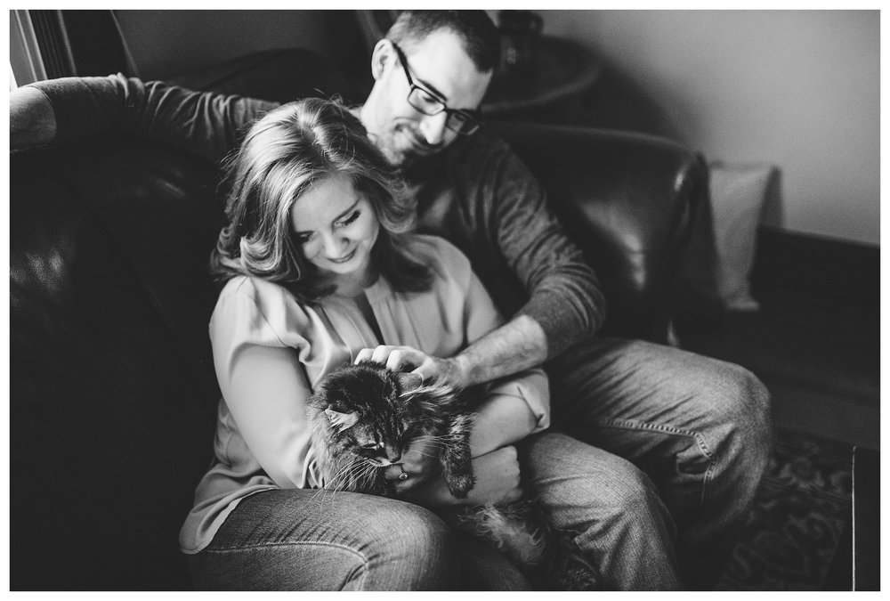 everleigh-photography-cincinnati-wedding-photographer-in-home-engagement-session-hannah-and-nathan-19