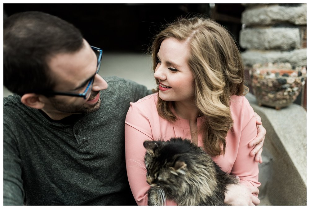 everleigh-photography-cincinnati-wedding-photographer-in-home-engagement-session-hannah-and-nathan-22