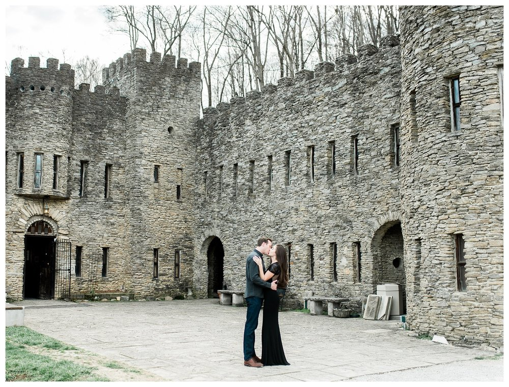 everleigh-photography-cincinnati-wedding-photographer-loveland-castle-cincinnati-engagement-photographer-01