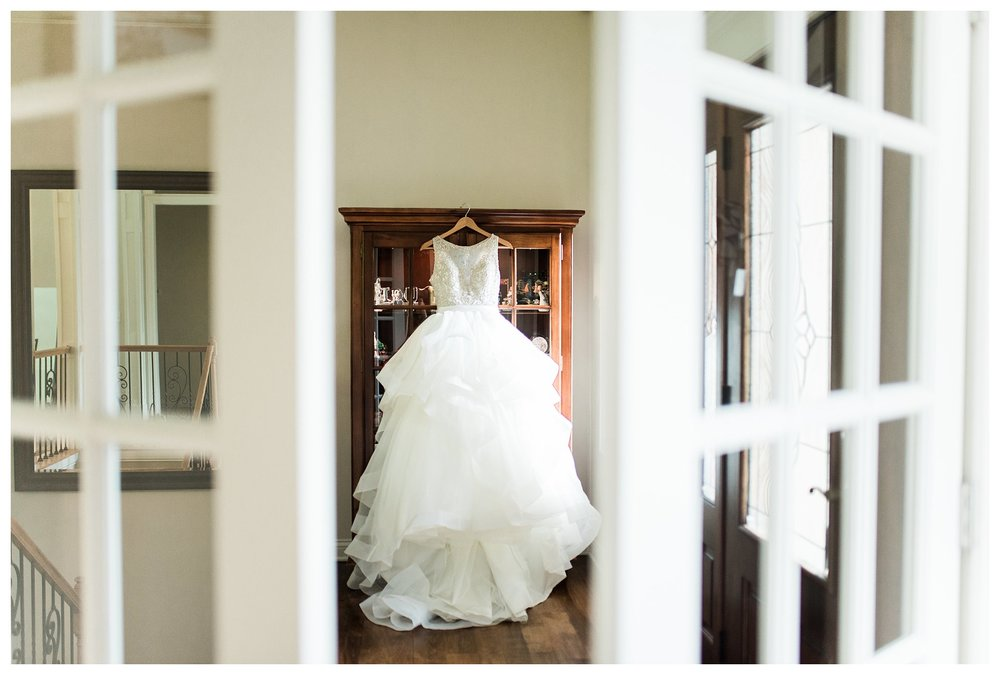 everleigh-photography-cincinnati-wedding-photographer-1913-heartland-barn-northern-kentucky-weddiing-photographer-amanda-and-chris-01