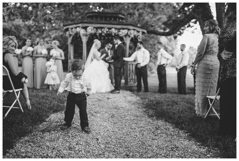 everleigh-photography-cincinnati-wedding-photographer-1913-heartland-barn-northern-kentucky-weddiing-photographer-amanda-and-chris-33