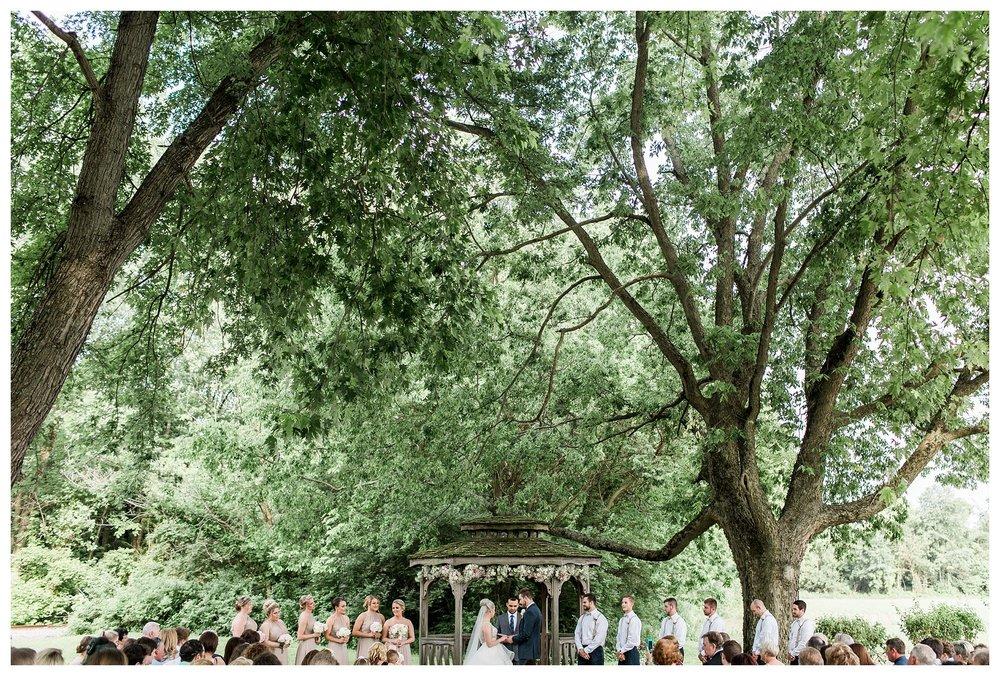everleigh-photography-cincinnati-wedding-photographer-1913-heartland-barn-northern-kentucky-weddiing-photographer-amanda-and-chris-44