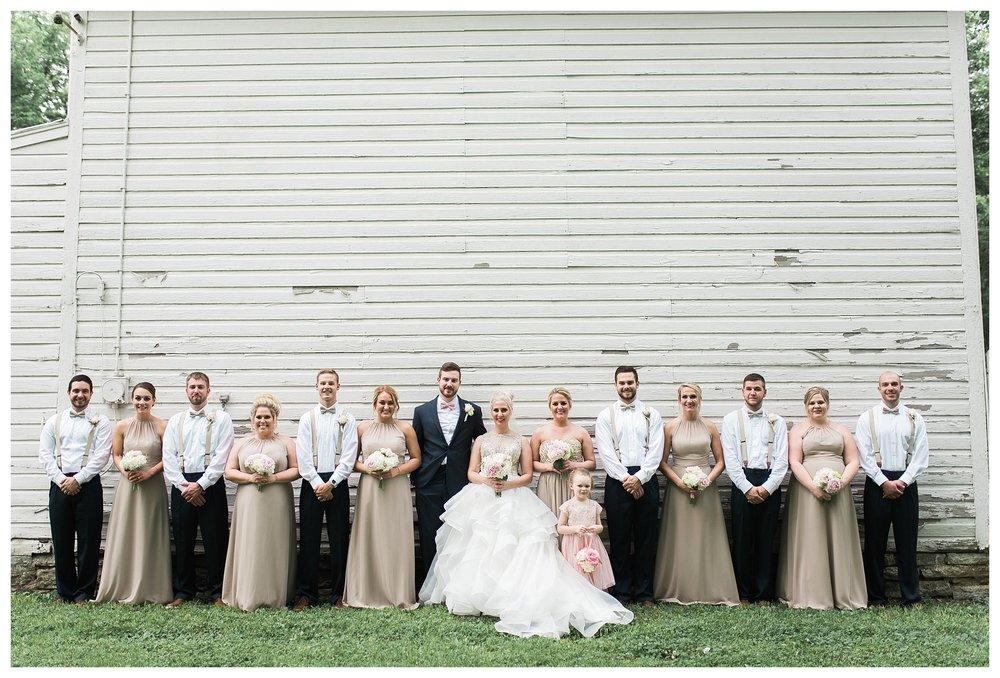 everleigh-photography-cincinnati-wedding-photographer-1913-heartland-barn-northern-kentucky-weddiing-photographer-amanda-and-chris-36