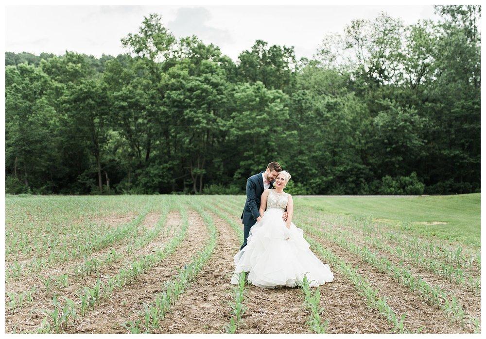 everleigh-photography-cincinnati-wedding-photographer-1913-heartland-barn-northern-kentucky-weddiing-photographer-amanda-and-chris-43