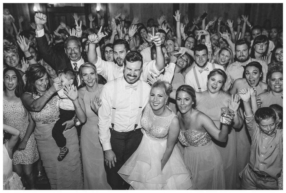 everleigh-photography-cincinnati-wedding-photographer-1913-heartland-barn-northern-kentucky-weddiing-photographer-amanda-and-chris-56