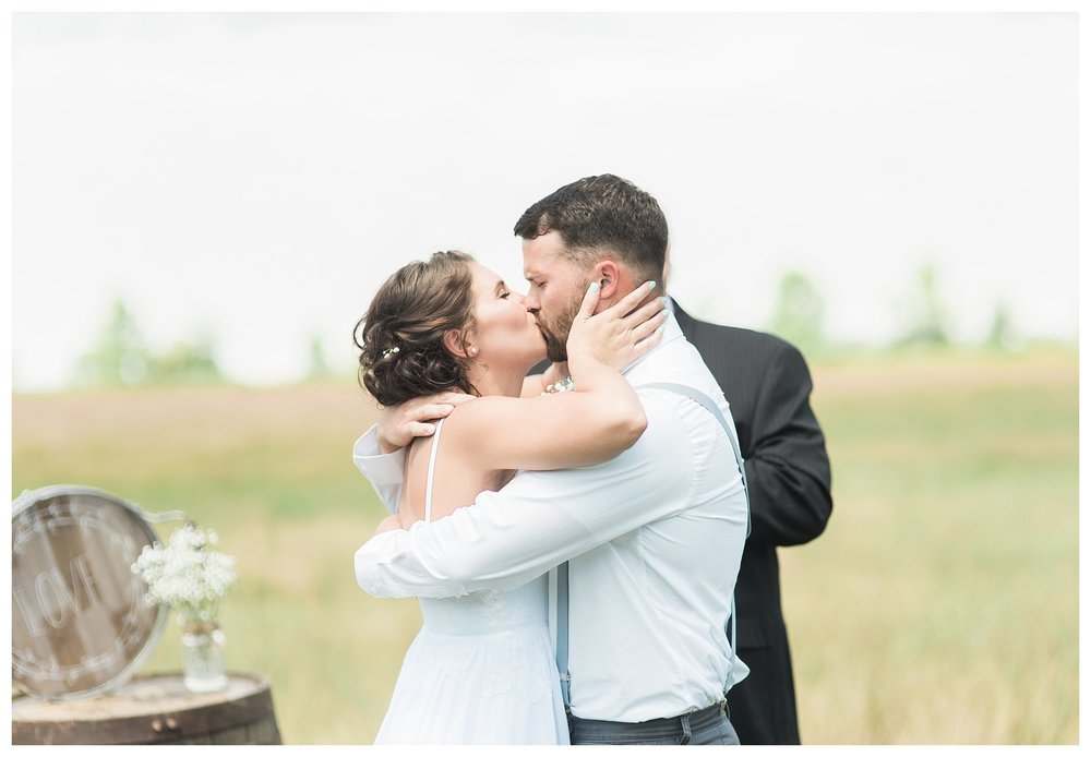 everleigh-photography.-cincinnati-wedding-photographer-at-the-barn-winery-14