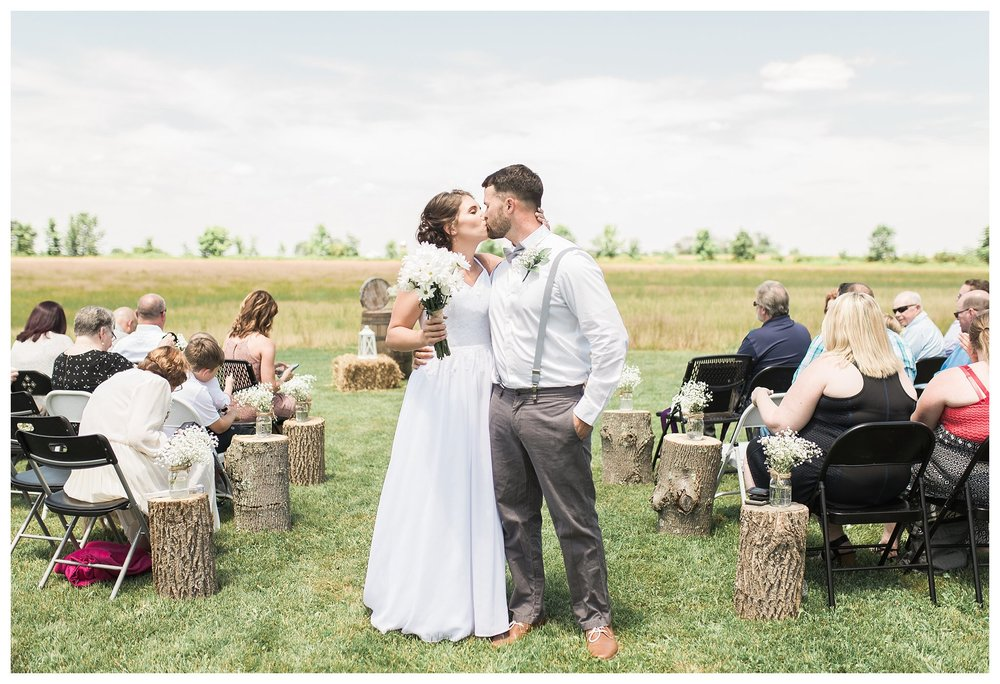 everleigh-photography.-cincinnati-wedding-photographer-at-the-barn-winery-16