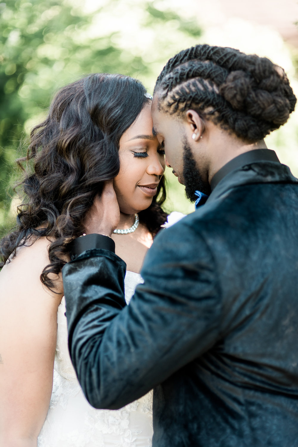 ashley-and-bryon-cincinnati-wedding-photographer-the-knot-feature-12