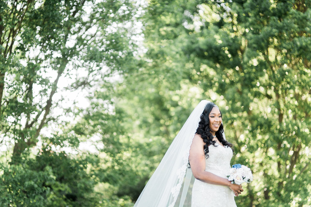 ashley-and-bryon-cincinnati-wedding-photographer-the-knot-feature-18