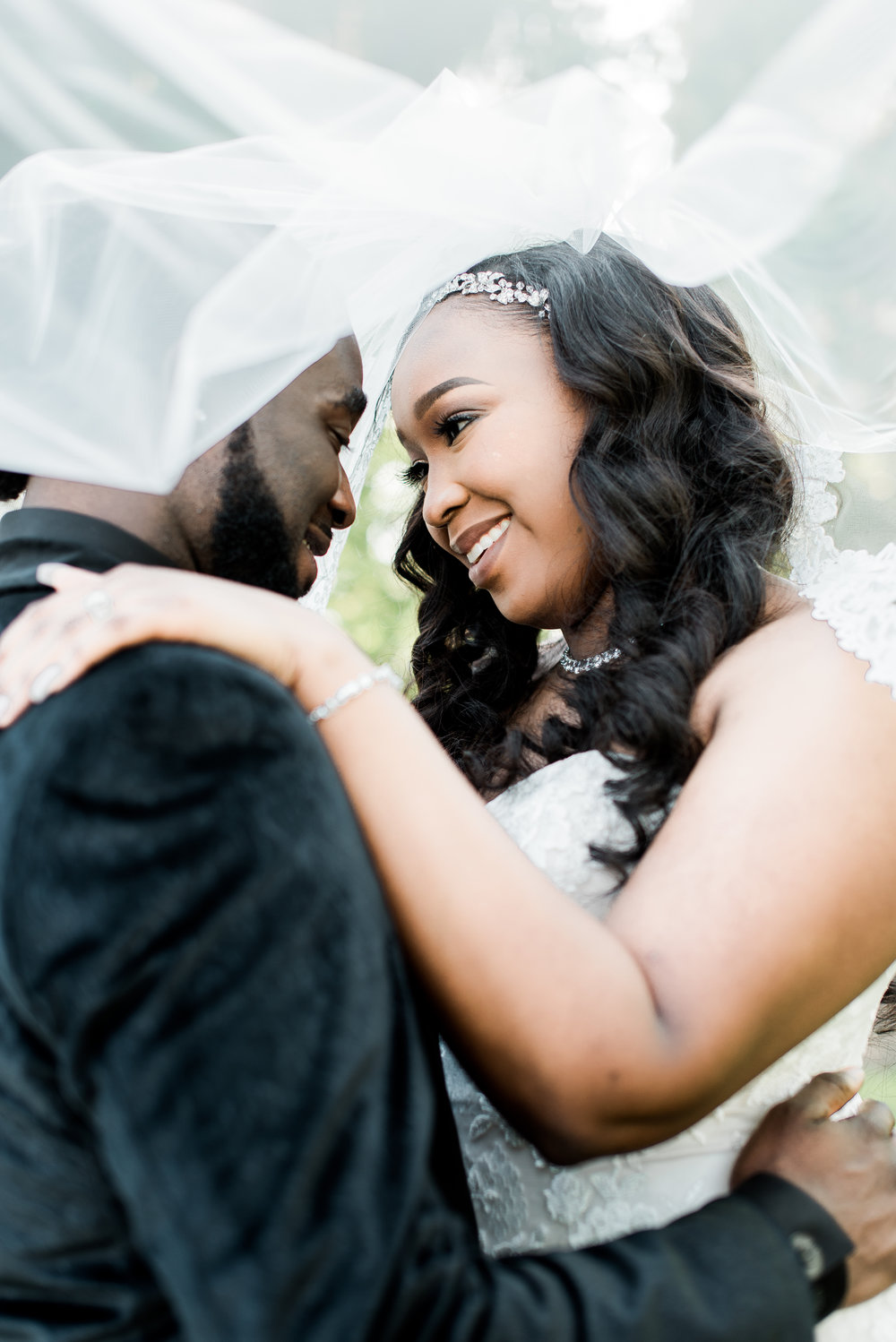 ashley-and-bryon-cincinnati-wedding-photographer-the-knot-feature-21