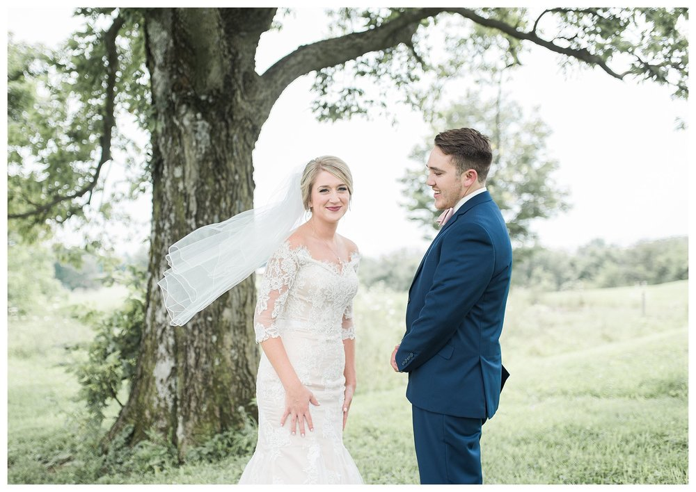 tower-park-mess-hall-everleigh-photography-northern-kentucky-wedding-photographer-11