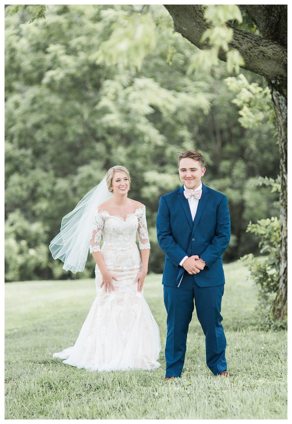 tower-park-mess-hall-everleigh-photography-northern-kentucky-wedding-photographer-15