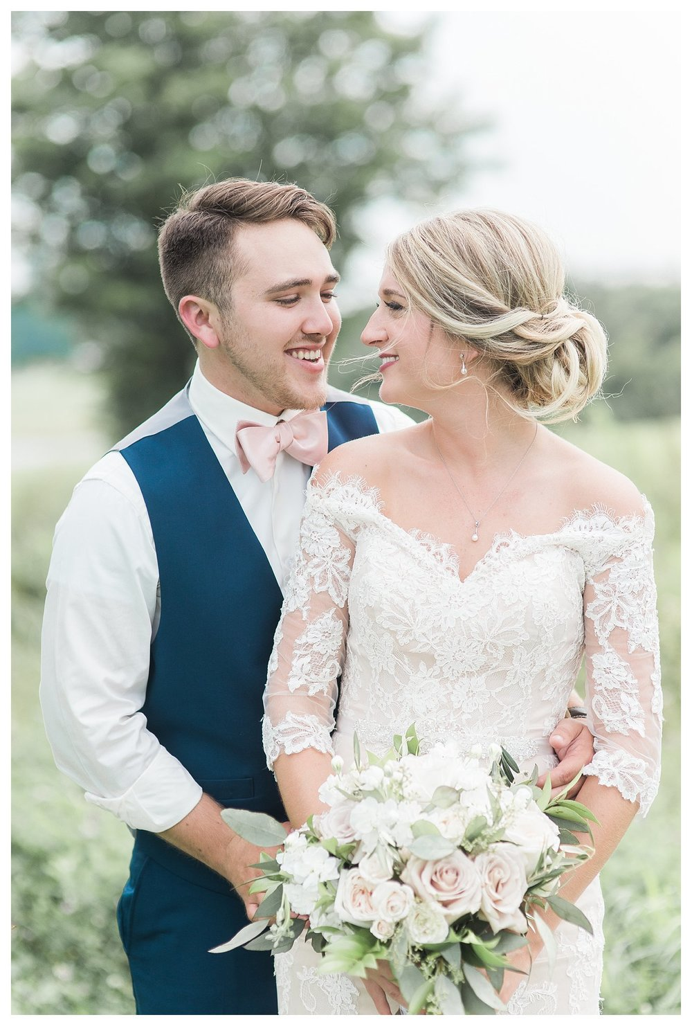tower-park-mess-hall-everleigh-photography-northern-kentucky-wedding-photographer-20