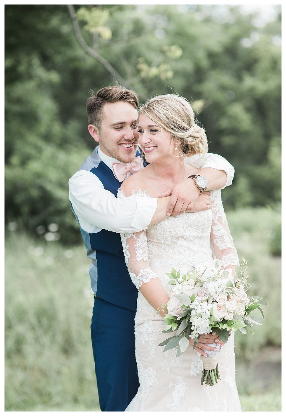 tower-park-mess-hall-everleigh-photography-northern-kentucky-wedding-photographer-23
