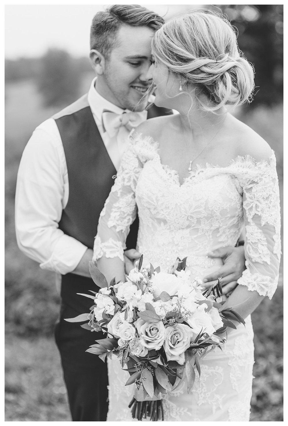 tower-park-mess-hall-everleigh-photography-northern-kentucky-wedding-photographer-36
