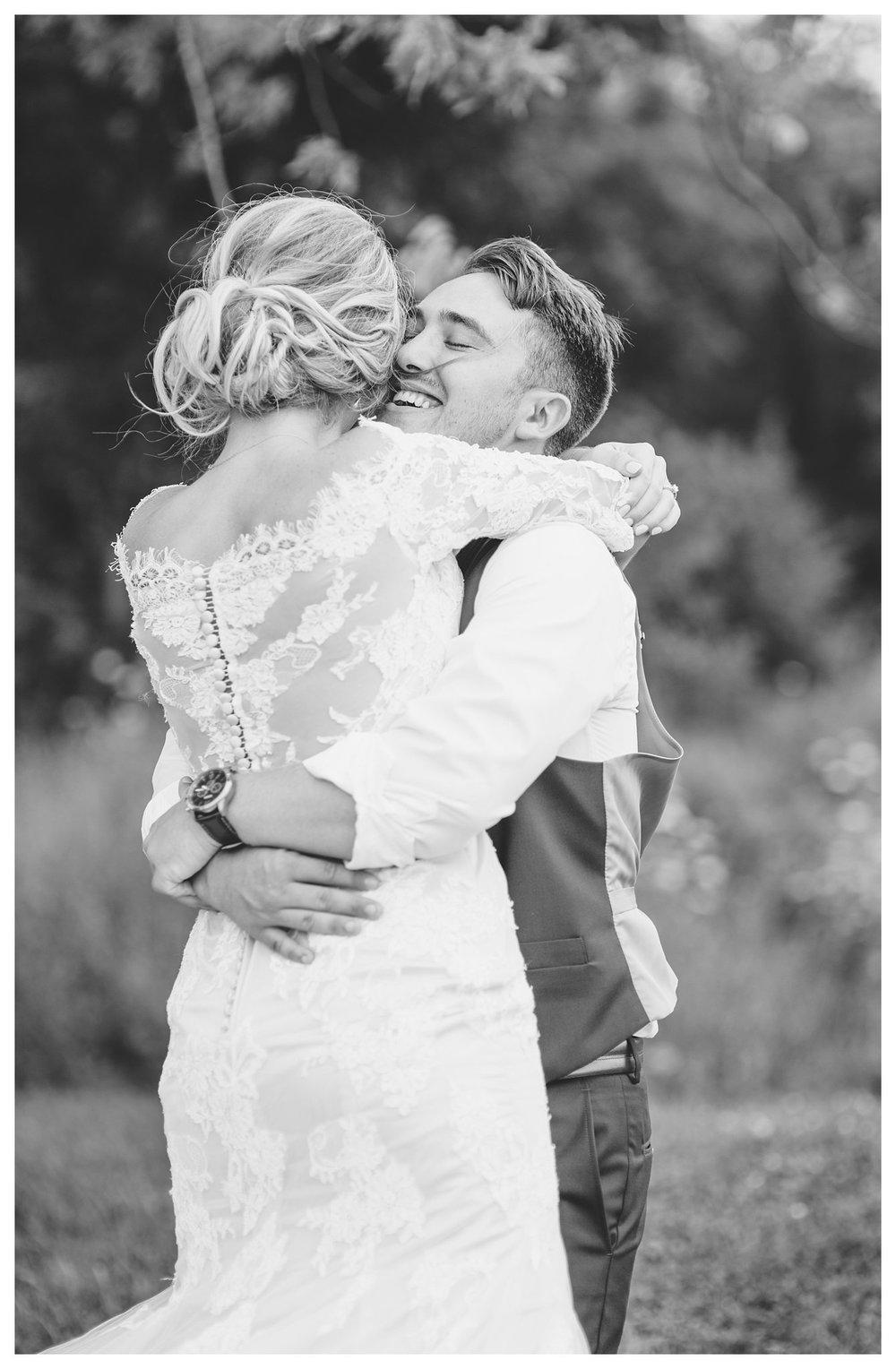tower-park-mess-hall-everleigh-photography-northern-kentucky-wedding-photographer-25