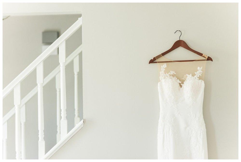 everleigh-photography-cincinnati-wedding-photographer-the-backstage-event-center-adamandlauren-01