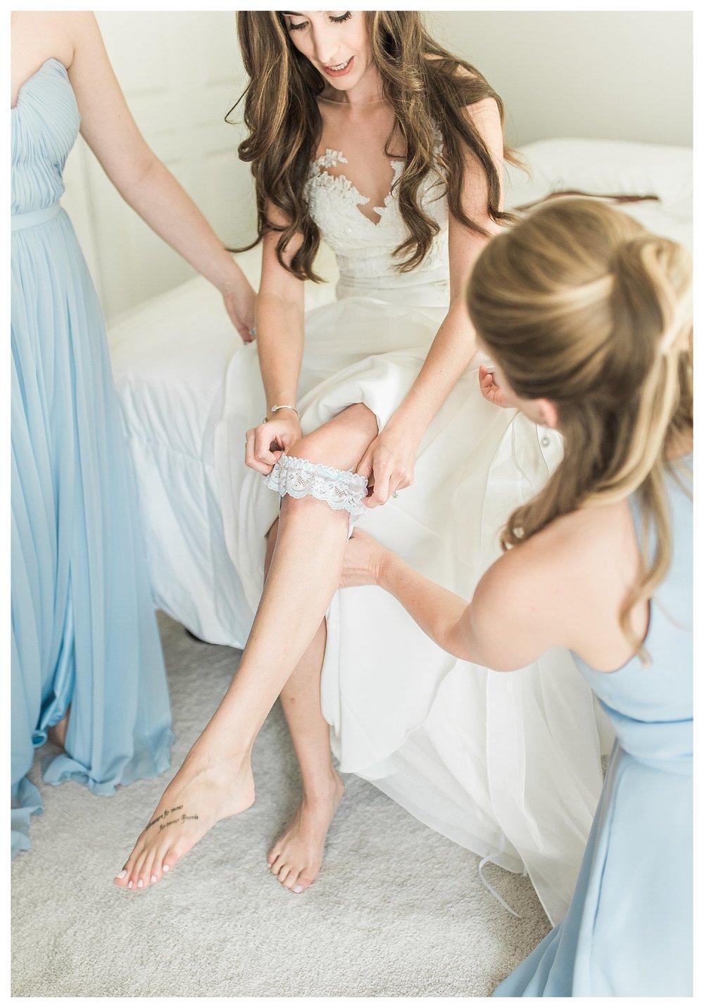 everleigh-photography-cincinnati-wedding-photographer-the-backstage-event-center-adamandlauren-13