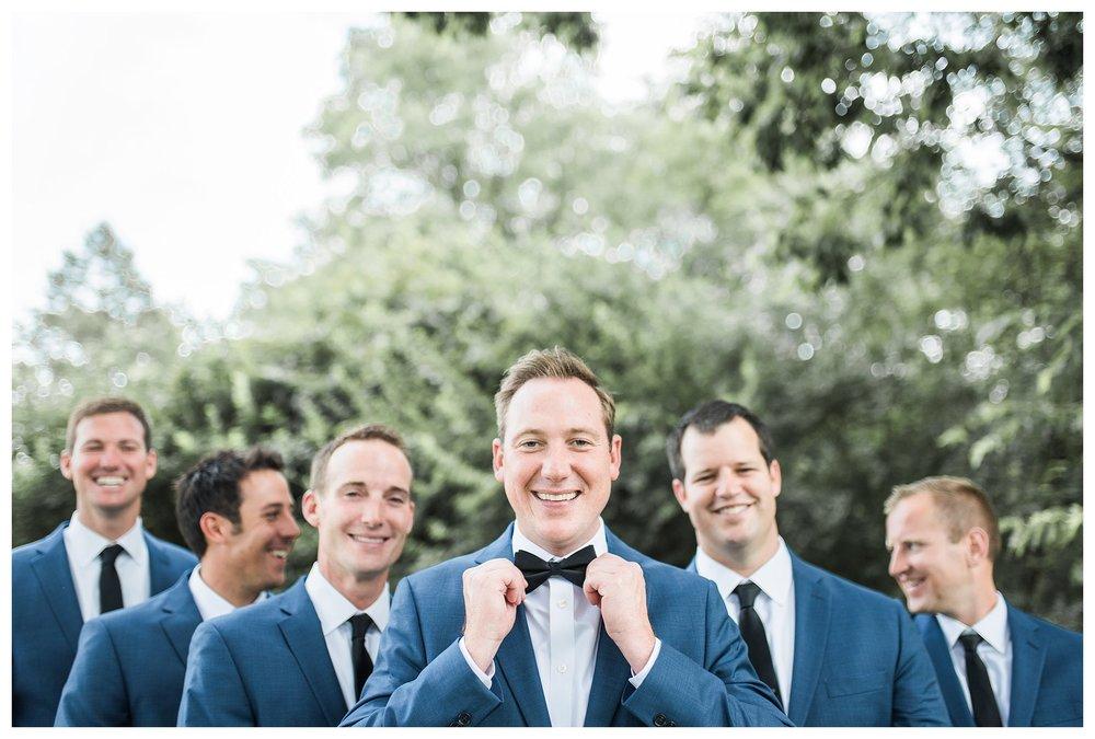 everleigh-photography-cincinnati-wedding-photographer-the-backstage-event-center-adamandlauren-27