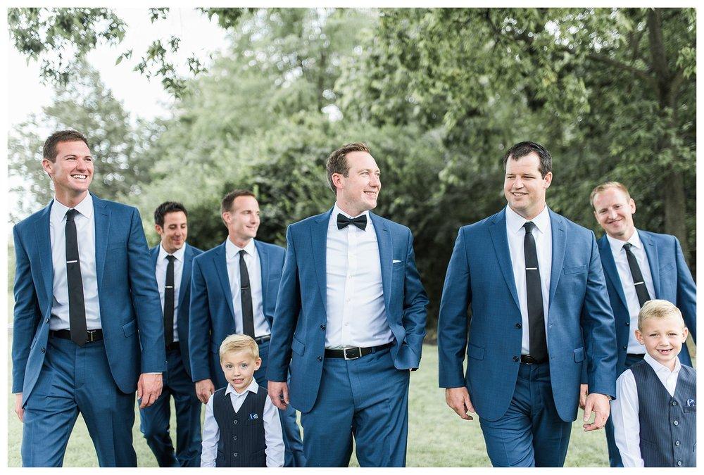 everleigh-photography-cincinnati-wedding-photographer-the-backstage-event-center-adamandlauren-28