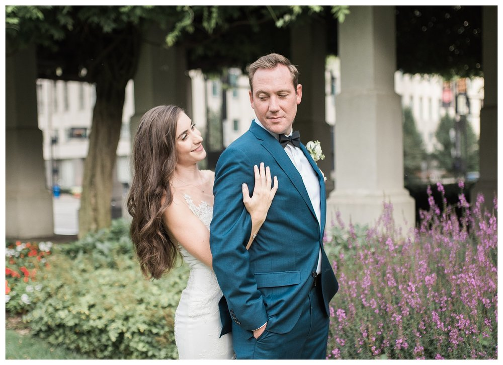 everleigh-photography-cincinnati-wedding-photographer-the-backstage-event-center-adamandlauren-47