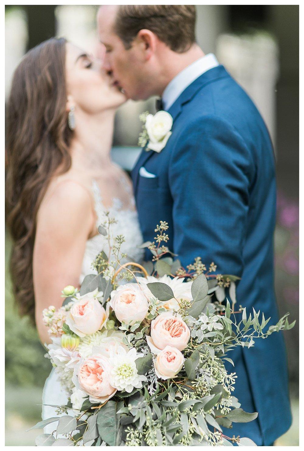 everleigh-photography-cincinnati-wedding-photographer-the-backstage-event-center-adamandlauren-46