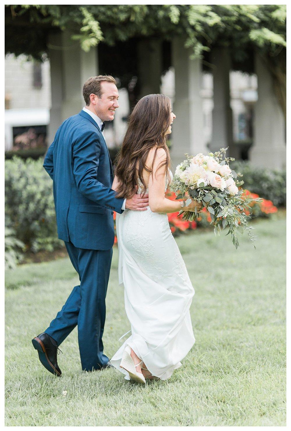 everleigh-photography-cincinnati-wedding-photographer-the-backstage-event-center-adamandlauren-58