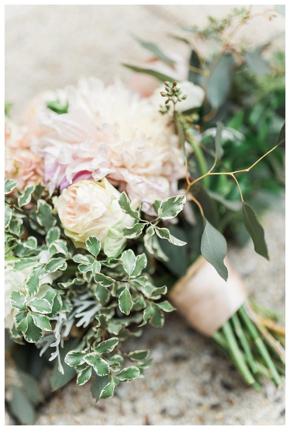 everleigh-photography-cincinnati-wedding-photographer-the-backstage-event-center-adamandlauren-29