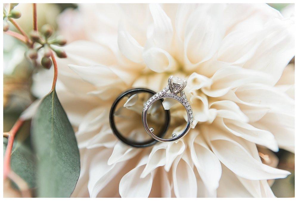 everleigh-photography-cincinnati-wedding-photographer-the-backstage-event-center-adamandlauren-30