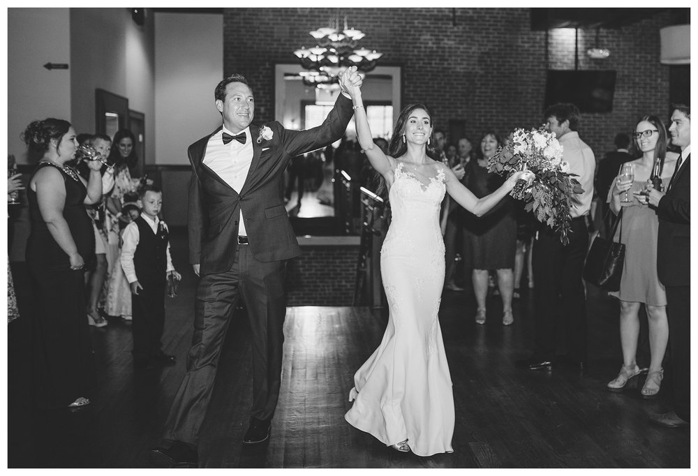 everleigh-photography-cincinnati-wedding-photographer-the-backstage-event-center-adamandlauren-62