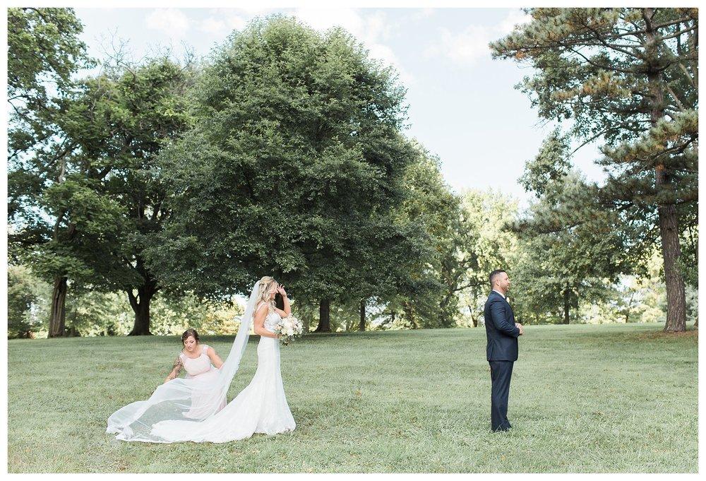 rhinegeist-wedding-everleigh-photography-cincinnati-wedding-photographer-the-singhoff-wedding-16