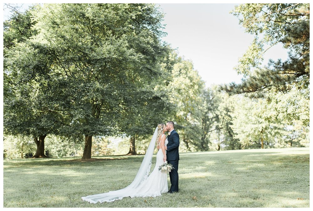 rhinegeist-wedding-everleigh-photography-cincinnati-wedding-photographer-the-singhoff-wedding-31
