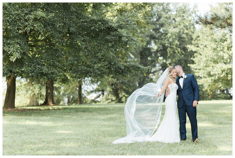 rhinegeist-wedding-everleigh-photography-cincinnati-wedding-photographer-the-singhoff-wedding-39