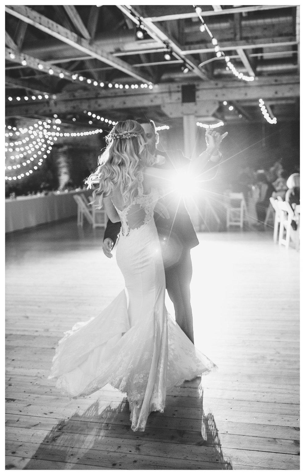 rhinegeist-wedding-everleigh-photography-cincinnati-wedding-photographer-the-singhoff-wedding-60