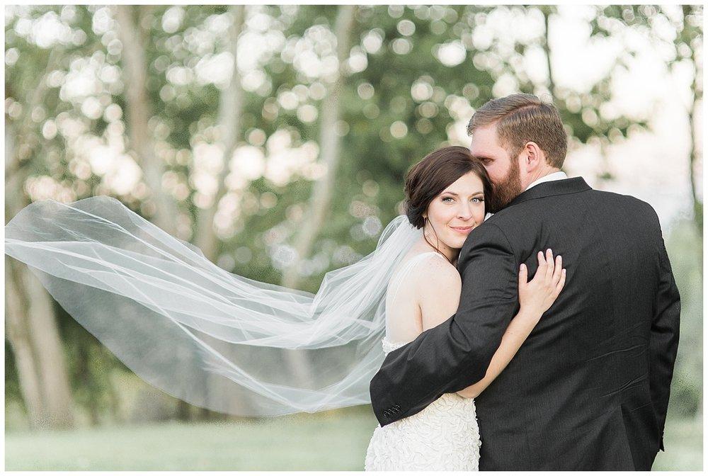 everleigh-photography-pyramid-hill-sculpture-park-cincinnati-wedding-photographer-the-faller-wedding-43