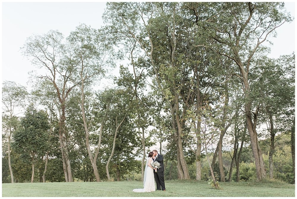 everleigh-photography-pyramid-hill-sculpture-park-cincinnati-wedding-photographer-the-faller-wedding-44