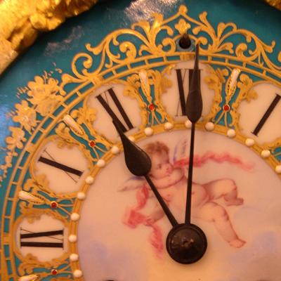 """Brian Negin """"Antique Clock, San Telmo, Buenos Aires, August 2004_313"""" (CC By-NC-ND 2.0)"""