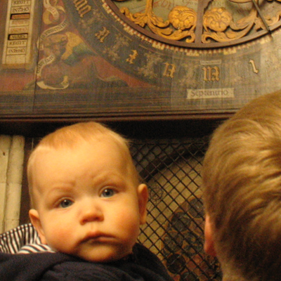 "Rob Davis ""Puzzled child, ancient clock"" 2007   (CC BY-NC 2.0)"