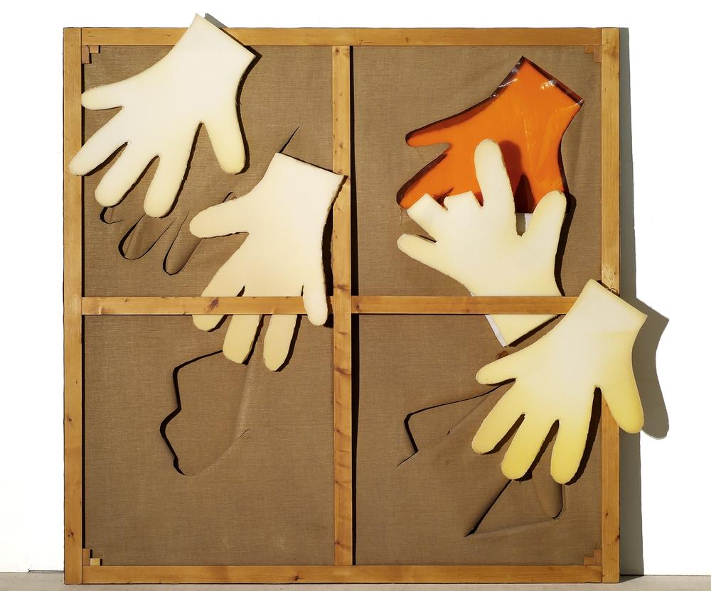 La mano di Vasco, 1967, trittico, telaio in legno, gomma piuma, tela, cellophane, cm 190 x 190 (Particolare)  La mano di Vasco, 1967, triptych, wooden casement, foam rubber, cellophane, cm 190 x 190 (Detail)