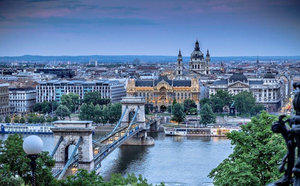 491601_budapest_magyarorsz_2000x1240_www-gdefon-ru_.jpg