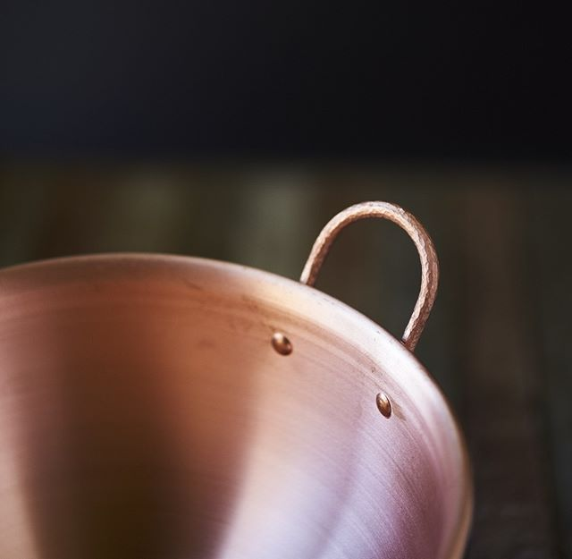 Excited to announce a new line of cookware coming soon to Mastro.  Here's a detail shot of the new 5qt bowls.  Solid, hand-hammered, pure copper handles with copper rivets. . . . #copper #cookware #coppercookware #copperkitchen