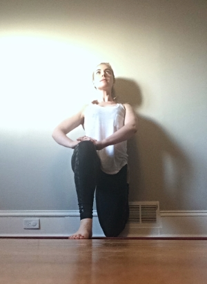 Yoga quad stretch vastus lateralis 2.jpg