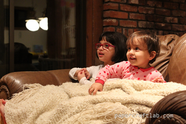 sisters watching frozen