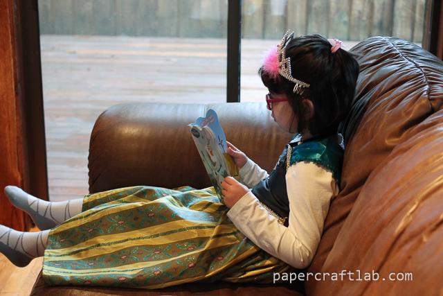 princess anna reading
