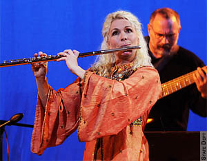Groovin' in the background for virtuoso flutist Rhonda Larson!