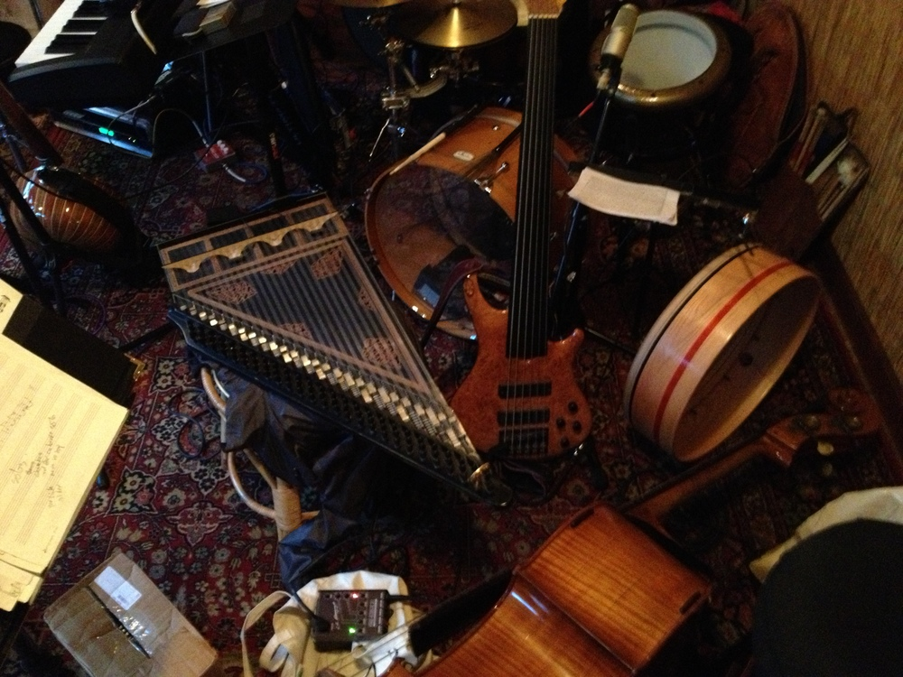 Just love all the instruments. From an impromptu club date with Free Planet Radio and Hasan Isakkut on Kanun. Asheville, NC 2013