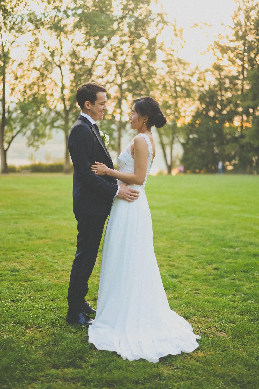 JINA & MICHAEL - Spring wedding by Deer Lake Park