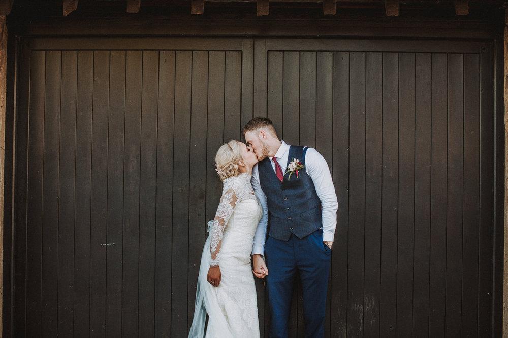 rotherham manorial barn wedding photographers19.jpg